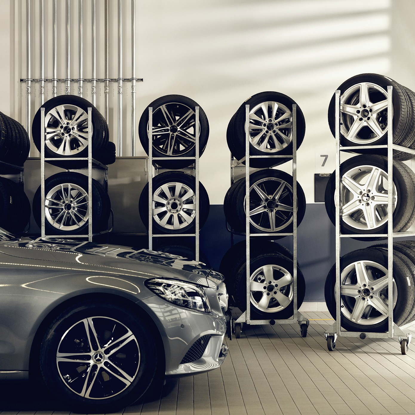 Picture of: Daekhotel Mercedes Benz Cph